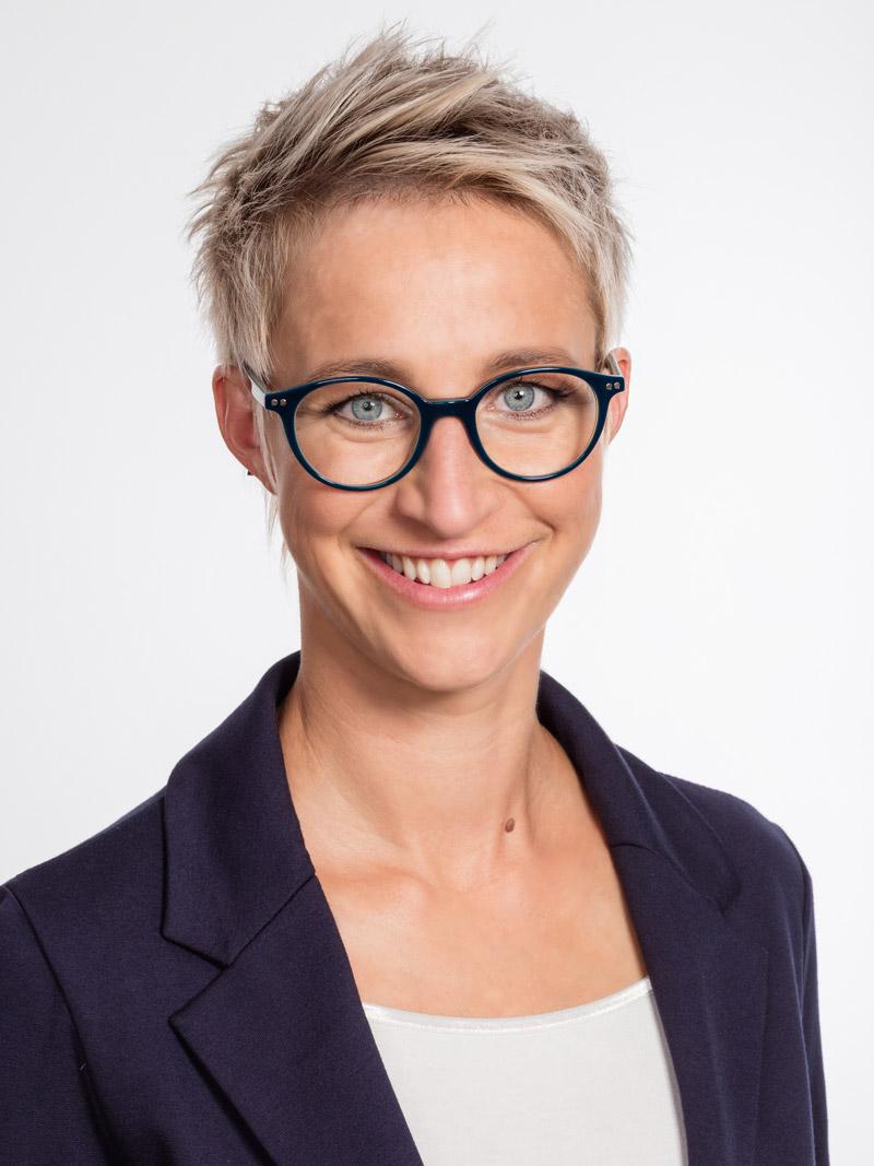 Portrait Nadine Schön