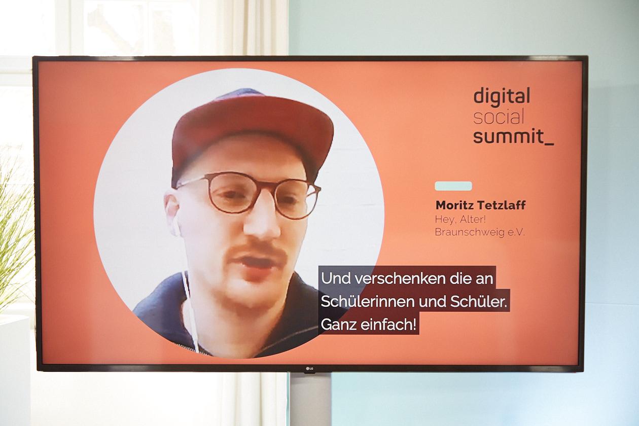 Ein Interview unserer Reihe short bites - im Bild zu sehen Moritz Tetzlaff vom Hey, Alter e.V.